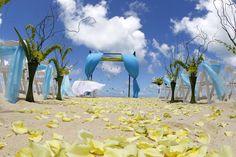 A Traditionally Hawaiian, Culturally Classy Wedding Wedding Chuppah, Wedding Canopy, Maui Weddings, Tropical Weddings, Rhapsody In Blue, Beach Ceremony, Rustic Wedding, Wedding Beach, Wedding Inspiration