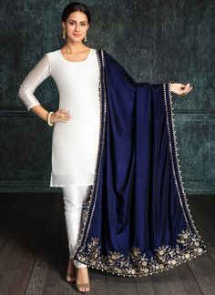 Navy Blue Embroidered Velvet Shawl is on micro velvet fabric and features embroidery work which is completed with zari, stone and sequins embellishments. Kurta Designs, Kurti Designs Party Wear, Pakistani Dress Design, Pakistani Outfits, Indian Outfits, Designer Party Wear Dresses, Indian Designer Outfits, Trajes Anarkali, Velvet Dress Designs
