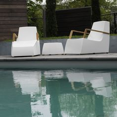 Lounge tuinmeubelen One to Sit in teak of roestvrij staal Outdoor Furniture, Outdoor Decor, Sun Lounger, Home Decor, Design, Chaise Longue, Decoration Home, Room Decor, Swinging Chair