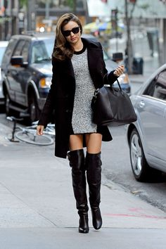 Winter Shoes: Miranda Kerr in Thigh-High Boots Street Style. Winter Mode Outfits, Winter Fashion Outfits, Autumn Fashion, Fashion Boots, Trendy Outfits, Fall Outfits, Estilo Miranda Kerr, Miranda Kerr Style, Winter Stil