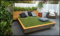Grass Daybed Main Image