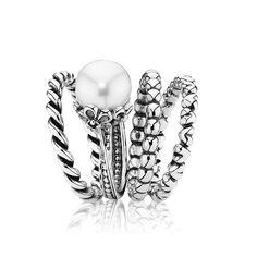 Beautiful PANDORA Ring! cant get enough of them #PANDORA #PANDORAring