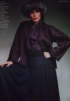 L Officiel de la couture et de la mode de Paris. Septembre 1976. Collections Haute couture hiver 1976/77.