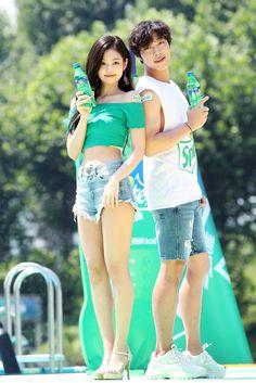 something special ♡ Kpop Couples, Movie Couples, Kim Jennie, Kpop Girl Groups, Kpop Girls, K Pop, South Korean Women, Rapper, Blackpink Photos
