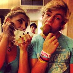 Haha, best picture ever. Rydel, Ratliff, and Ross! What a lucky caramel apple...