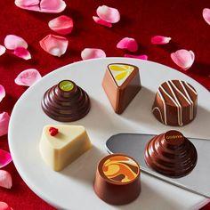 Regardez cette photo Instagram de @godiva • 5,533 mentions J'aime Organic Chocolate, Chocolate Factory, Love Chocolate, Chocolate Truffles, Chocolate Lovers, Chocolate Recipes, Adriano Zumbo, Pastry Art, Beautiful Desserts
