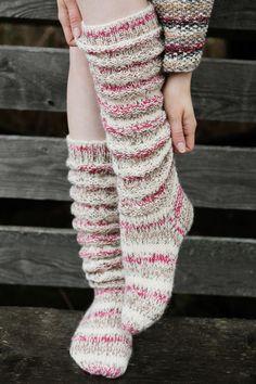 Discover thousands of images about Novita Talvi Novita Venla Nature, Novita Venla, Ruttusukat Cable Knit Socks, Wool Socks, Knitting Socks, Slouch Socks, Hand Crochet, Crochet Hooks, Knit Crochet, Crochet Patterns For Beginners, Knitting Patterns