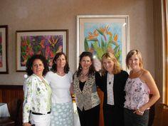 Confidentiali-Tea (c) Bookseller Kate Schwab with authors Kathryn Cushman, Mara Purl, Harley Jane Kozak and moderator Starshine Roshell