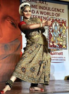 A creative expression - http://www.thehindu.com/features/friday-review/dance/creative-tribute-to-native-arts/article2321957.ece