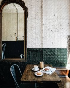 BKG Coffee Roasters, brooklyn nyc - {Eat New York City} - Restaurant Mein Café, Interior Inspiration, Design Inspiration, Design Ideas, Interior And Exterior, Interior Design, Cafe Interior, Brewery Interior, Home And Deco