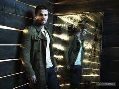 Arrow - Promo shot of Stephen Amell