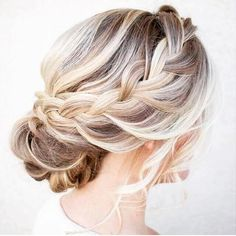 Loose & Pretty Braid for a lovey #bride #hair #hairstyles #bridalhair #engaged #bride #engaged #luxurybride