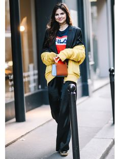 For those lazy days you can't fathom pulling on skin tight jeans or short dresses, here are 28 athleisure outfits for your inspiration. Athleisure Outfits, London Street, Skin Tight, Men's Collection, Winter Wear, Fashion Advice, Short Dresses, Tights, Winter Jackets
