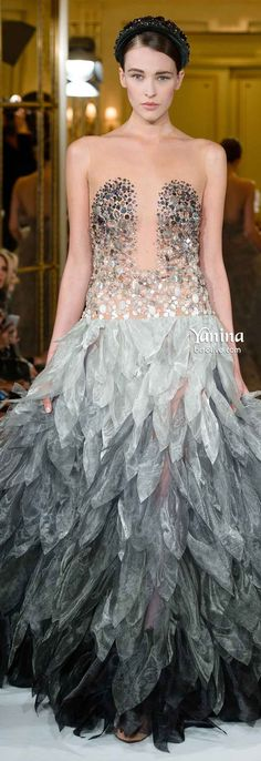 Yanina Spring 2014 Haute Couture ~ gray silver and gold fashion dress I Love Fashion, Fashion Week, Runway Fashion, High Fashion, Fashion Show, Fashion Design, Gold Fashion, Dress Couture, Style Haute Couture