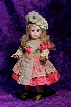 RARE TRANSITIONAL MODEL OF TETE BEBE BY JUMEAU. : Lot 84