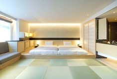 Bazik, an office of interior design, created for the Japanese hotel Ogawaya Ryokan situated in the region of Gero Onsen, rooms in a typically local style, which Cama Tatami, Tatami Bed, Tatami Room, Japanese Apartment, Japanese Bedroom, Japanese House, Modern Japanese Interior, Cabinet D Architecture, Asian Home Decor