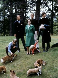 The Queen and Prince Philip with their children at Balmoral in 1979. // I AM NOT A CRAZY DOG LADY