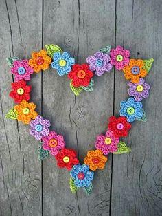 Corazón de flores desde Attic24