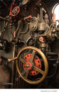"""Steam Engine Of The Picture <font><font class="""""""">Bir buharlı tren sürüş kabini ayrıntıları.</font></font>"""
