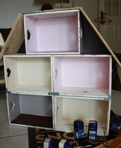 Shelves for a doll house very clever Play Mobile, Diy Dollhouse, Dollhouse Miniatures, Fun Crafts, Diy And Crafts, Art And Hobby, Barbie Doll House, Building For Kids, Sylvanian Families