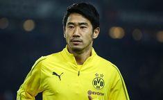 Borussia Dortmund have denied reports Shinji Kagawa is set to join French side Bordeaux on loan. Manchester United, Shinji Kagawa, Transfer News, Soccer Players, Bordeaux, Polo Ralph Lauren, Sports, Mens Tops, Club