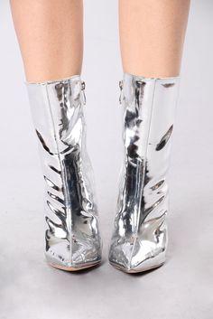 668edde21a8 59 Best Shoes Boots Sandals images