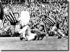 Newcastle's John Tudor has just headed past David Harvey to put his side up over Leeds, with Malcolm Macdonald joining in the celebration.Newcastle United won on September 1973 Malcolm Macdonald, David Harvey, Newcastle United Football, St James' Park, Leeds United, Football Players, Tudor, 2 In, Past