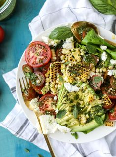 grilled corn, tomato & avocado salad with chimichurri - perfect refreshing & healthy salad for hot summer days! good on its own, or great to make ahead of time for a summer party Chimichurri, Vegetarian Recipes, Cooking Recipes, Healthy Recipes, Grilled Recipes, Carrot Recipes, Broccoli Recipes, Noodle Recipes, Turkey Recipes