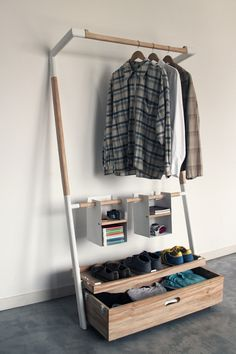 Home Decor: Surprising and practical, the Arara Nômade storage unit envisioned by Brazil based designers André Pedrini & Ricardo Freisleben is an ingenious closet that may not look so impressive when empty, but as you start filling it up with personal objects, it has the ability to transform into an eye catching piece of home furniture.   See more here: http://www.oboio.com/