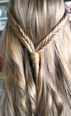 trenza. fishbone braid.