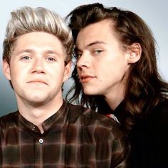 Find images and videos about one direction, niall horan and louis tomlinson on We Heart It - the app to get lost in what you love. Niall And Harry, Harry 1d, Louis And Harry, One Direction Photos, I Love One Direction, Niall Horan, Zayn Malik, Celebrity List, Wattpad