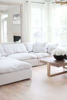 Living Room Sofa, Home Living Room, Living Room Decor, Bedroom Sofa, Sofa Design, Furniture Design, Plywood Furniture, Design Design, Painted Furniture