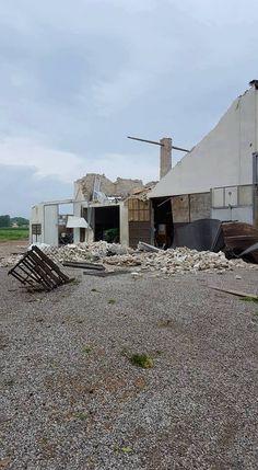Фобос.tornados em Cologny (Emilia-Romagna, Itália, 27/04/2017)