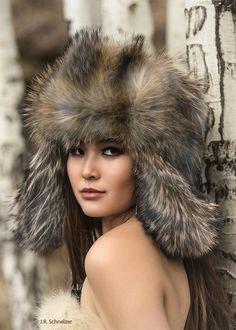 Chinchilla, Fur Accessories, Japanese Beauty, Headgear, Winter Hats, Beautiful Women, Fur Coats, Stylish, Womens Fashion