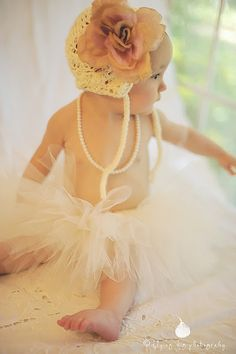 AWWWW what a little DOLL!  http://www.facebook.com/flyingfigphotography