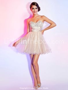 A-line Sweetheart Strapless Short/Mini Organza Sequined Cocktail Dress With Ruched Ribbon - USD $ 78.39