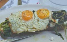 Χωριάτικο ψωμί με αυγά και σπανάκι Eggs, Breakfast, Link, Food, Morning Coffee, Essen, Egg, Meals, Yemek