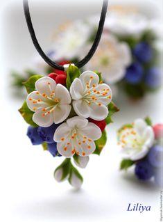 """Купить Кулон """"Ягодно-цветочный"""" - ягоды и листья, ягодное украшение, Кулон ручной работы"""