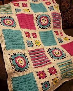 Orange Blossom Throw done in different colors. Granny Square Crochet Pattern, Crochet Squares, Crochet Granny, Crochet Blanket Patterns, Crochet Motif, Crochet Stitches, Granny Squares, Crochet Pillow, Crochet Baby
