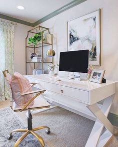 A productive day begins with a chic workspace. We can't get enough of // HONEY WE'RE HOME's office, styled with our Jett Desk. Office Decor Home Decor Rustic Farmhouse Farm House Country Home Office Ideas House Ideas Apartment Décor Mesa Home Office, Home Office Space, Cozy Home Office, Office Spaces, Home Office Desks Ideas, Home Office Colors, Office Space Design, Home Office Lighting, Desk Space