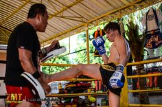 Thai Boxing training in Thailand at 7MuayThai.com Gym & Beach Resort - R...