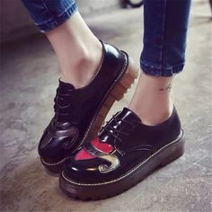 2016 Brogue Shoes Woman Lace Up flats Heart LOVE Print Women Shoes Casual Platform Creepers Fashion Ladies Black Flat Shoes