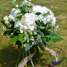 A beautiful mixed bouquet of all white flowers including roses and hydrangea Fresh Flowers, Silk Flowers, White Flowers, Helium Balloons, Balloon Arch, Wedding Book, Our Wedding, Flower Wall Design, Anniversary Flowers