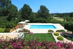 Belle et moderne villa, meublée avec goût, avec piscine privée et jardin