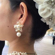 * * 今日は友人の結婚式でした  オーダーをもらった星のピアス⭐️ ドレスにもよく合っていてホッと安心 こんな貴重な物を作らせて頂き幸せです❤️ * 本当におめでとう * #結婚式#wedding#ウェディングアクセサリー #ハンドメイド#ハンドメイドアクセサリー#handmadeaccessory_you #ピアス#イヤリング#ブライダルアクセサリー #星#パール