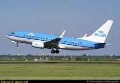 KLM (B737-700)