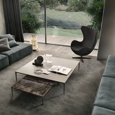 Découvrez la table basse Tray de Rimadesio chez Trentotto Original. Meubles design Toulouse.