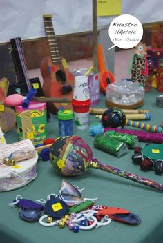 Music: lots of ideas for recyclable, homemade instruments-For philanthropies? Preschool Music, Music Activities, Creative Activities, Activities For Kids, Music Lessons For Kids, Art Lessons Elementary, Baby Sensory Classes, Diy For Kids, Crafts For Kids