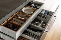 キッチンはIKEA製。引き出しも容量たっぷりで食器も調理器具もすべて収納されています。#M様邸板橋本町 #キッチン #IKEA #収納 #インテリア #EcoDeco #エコデコ #リノベーション #renovation #東京 #福岡 #福岡リノベーション #福岡設計事務所 Modern Kitchen Cabinets, Kitchen Cabinet Design, Shoe Rack, House Styles, Furnitures, Home, Shoe Racks, Ad Home, Homes