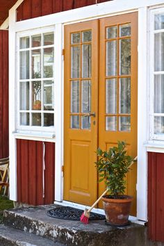 Beautiful Interiors, Beautiful Homes, Sweden House, Red Cottage, House Paint Exterior, Scandinavian Home, House Painting, Windows And Doors, House Colors